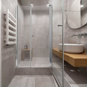 ROEI מקלחון חזית קבוע ודלת גוון ניקל